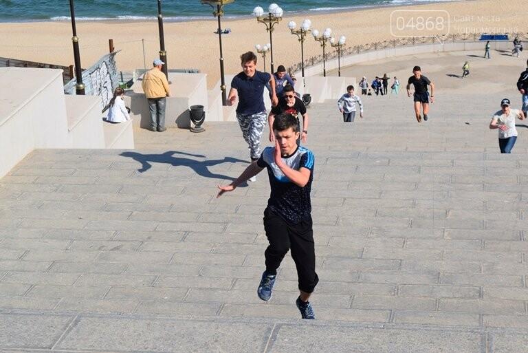 «А вы смогли бы?» В Черноморске провели легкоатлетический забег по Приморской лестнице, фото-2