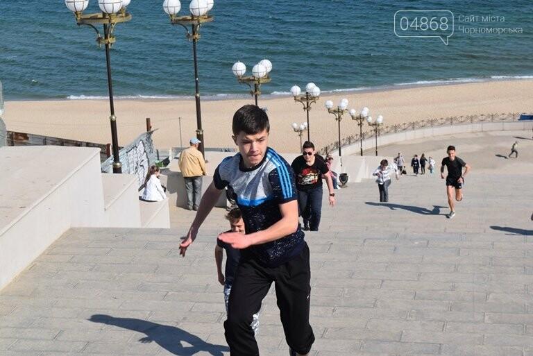«А вы смогли бы?» В Черноморске провели легкоатлетический забег по Приморской лестнице, фото-24