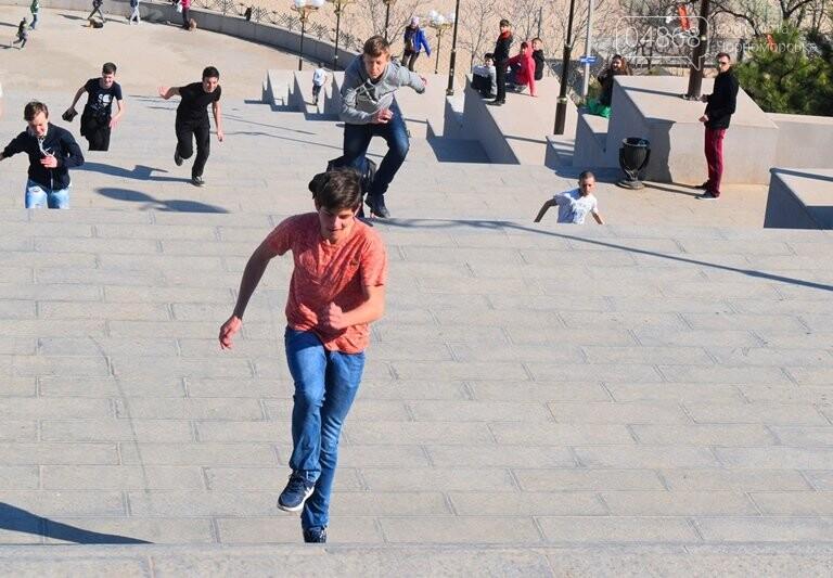 «А вы смогли бы?» В Черноморске провели легкоатлетический забег по Приморской лестнице, фото-30