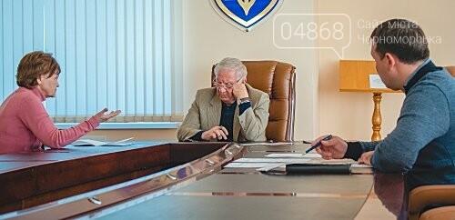 Городской голова провёл очередной приём граждан Черноморска, фото-1