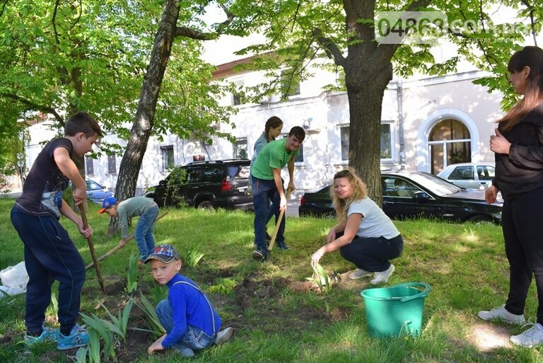 Живи, Корабельная! Ребята из Школы лидеров продолжают менять облик одной из первых улиц Черноморска, фото-1