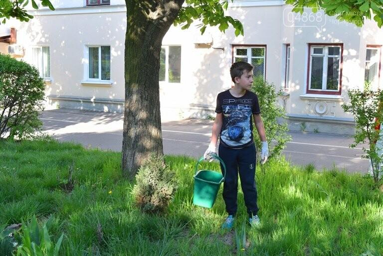 Живи, Корабельная! Ребята из Школы лидеров продолжают менять облик одной из первых улиц Черноморска, фото-12
