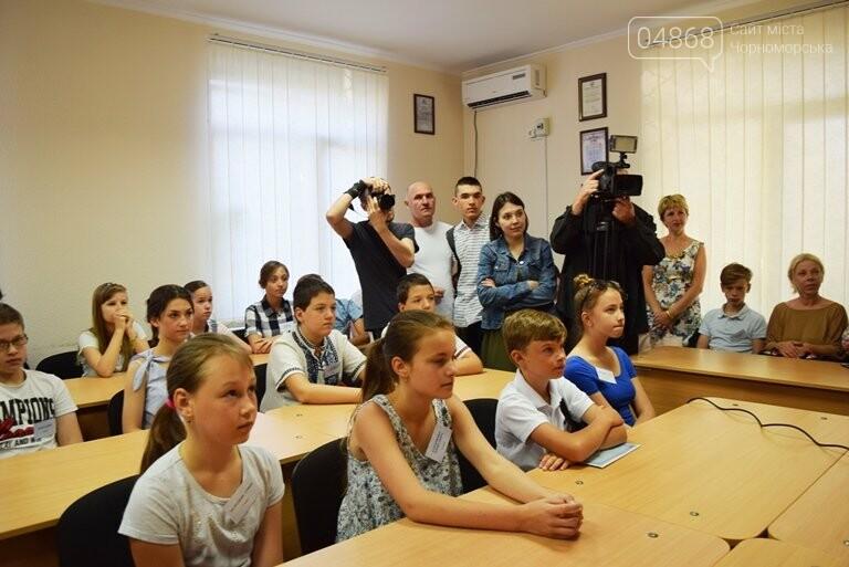 «Я бы в медики пошёл, пусть меня научат»: в Черноморске стартовала первая смена медицинского лагеря, фото-2