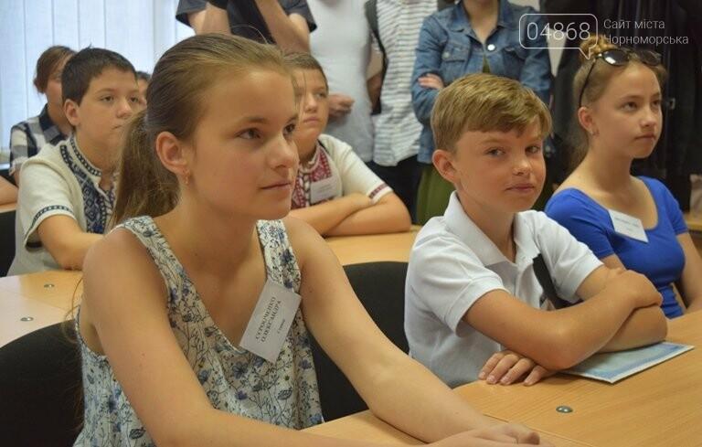 «Я бы в медики пошёл, пусть меня научат»: в Черноморске стартовала первая смена медицинского лагеря, фото-4
