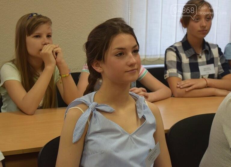«Я бы в медики пошёл, пусть меня научат»: в Черноморске стартовала первая смена медицинского лагеря, фото-5