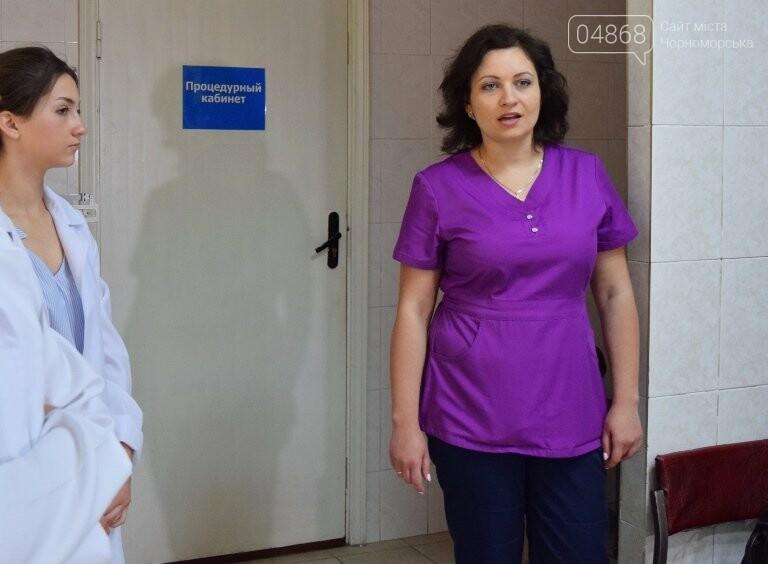 «Я бы в медики пошёл, пусть меня научат»: в Черноморске стартовала первая смена медицинского лагеря, фото-17