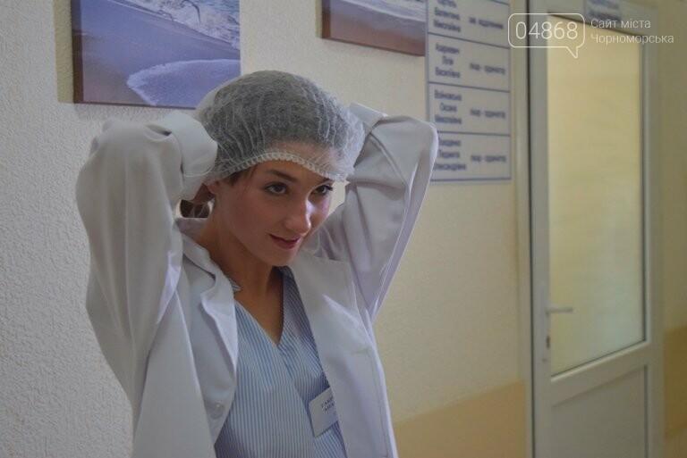 «Я бы в медики пошёл, пусть меня научат»: в Черноморске стартовала первая смена медицинского лагеря, фото-7