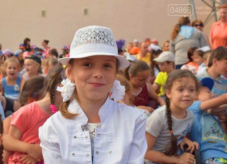 «Дети – детям»: в Черноморске прошёл большой праздник открытия летних лагерей, фото-13