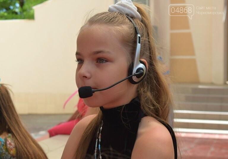 «Дети – детям»: в Черноморске прошёл большой праздник открытия летних лагерей, фото-20
