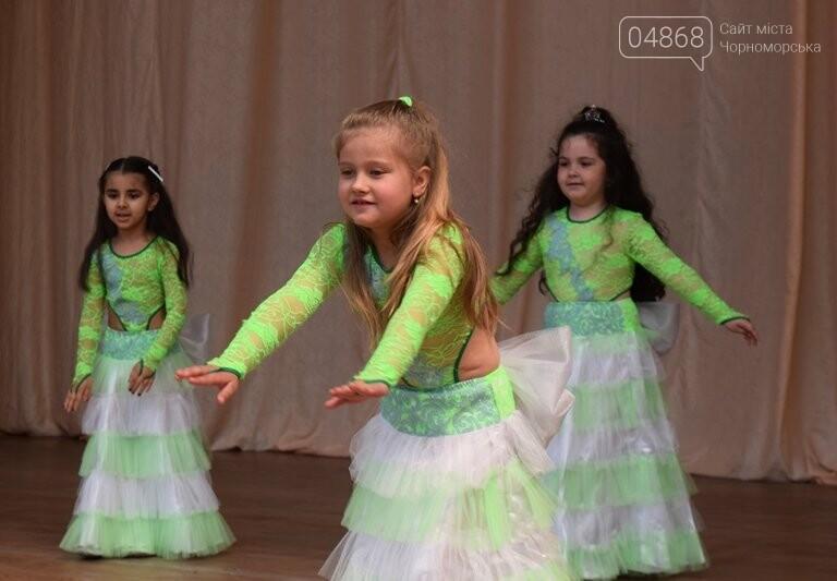 «Дети – детям»: в Черноморске прошёл большой праздник открытия летних лагерей, фото-6