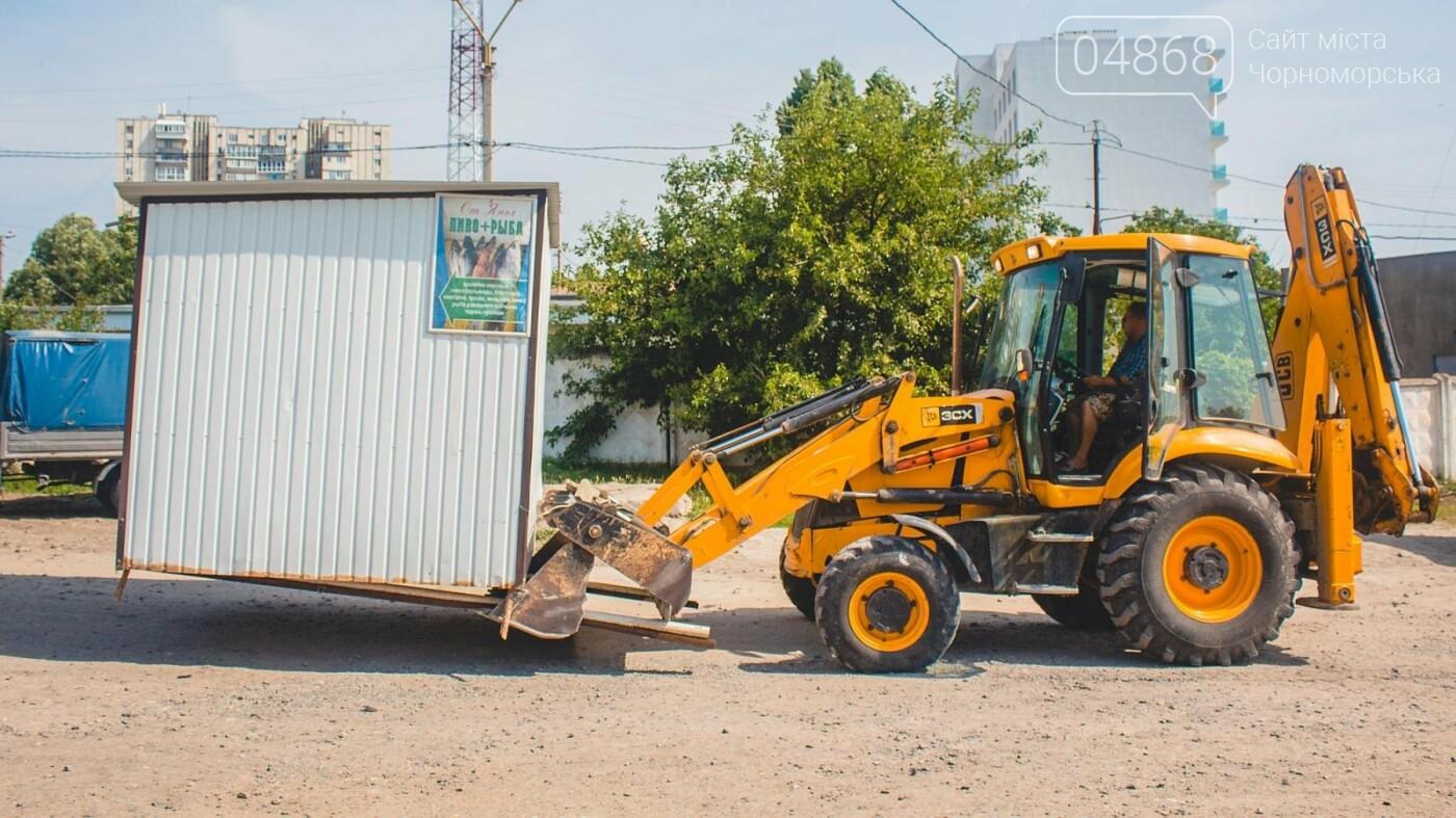 Торговые точки без документов начали демонтировать с пляжа Черноморска, фото-6