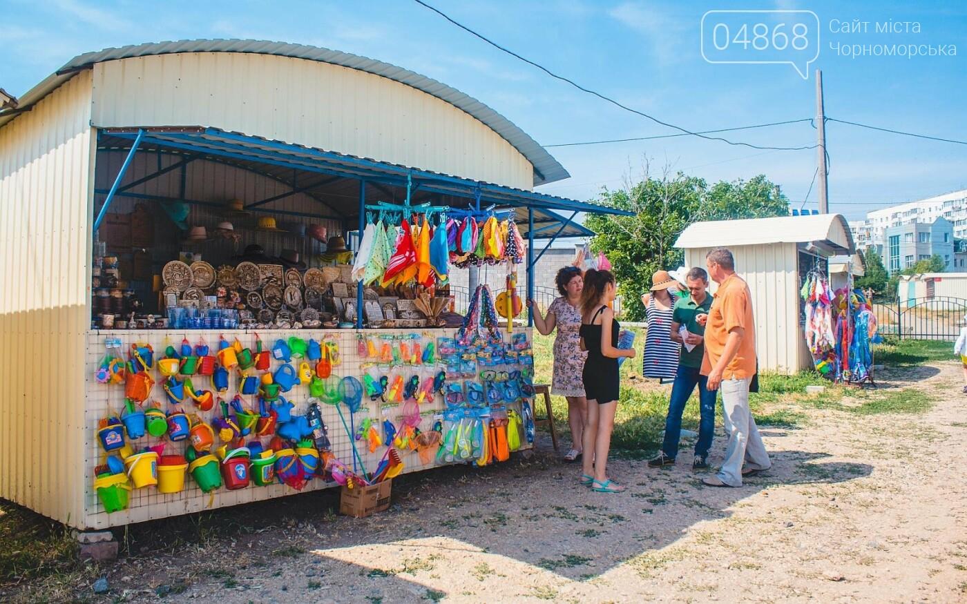 Торговые точки без документов начали демонтировать с пляжа Черноморска, фото-8