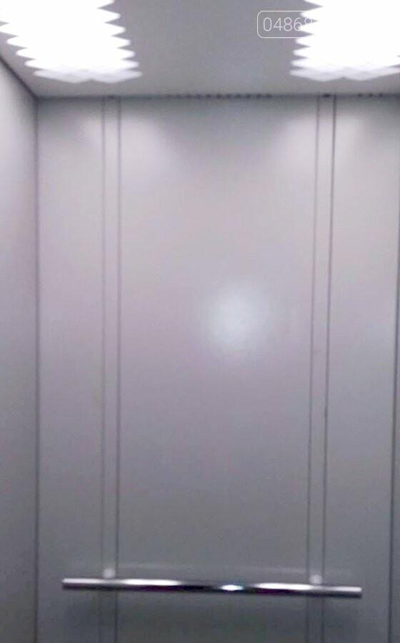 В жилых домах Черноморска устанавливают новые лифтовые кабины, фото-4