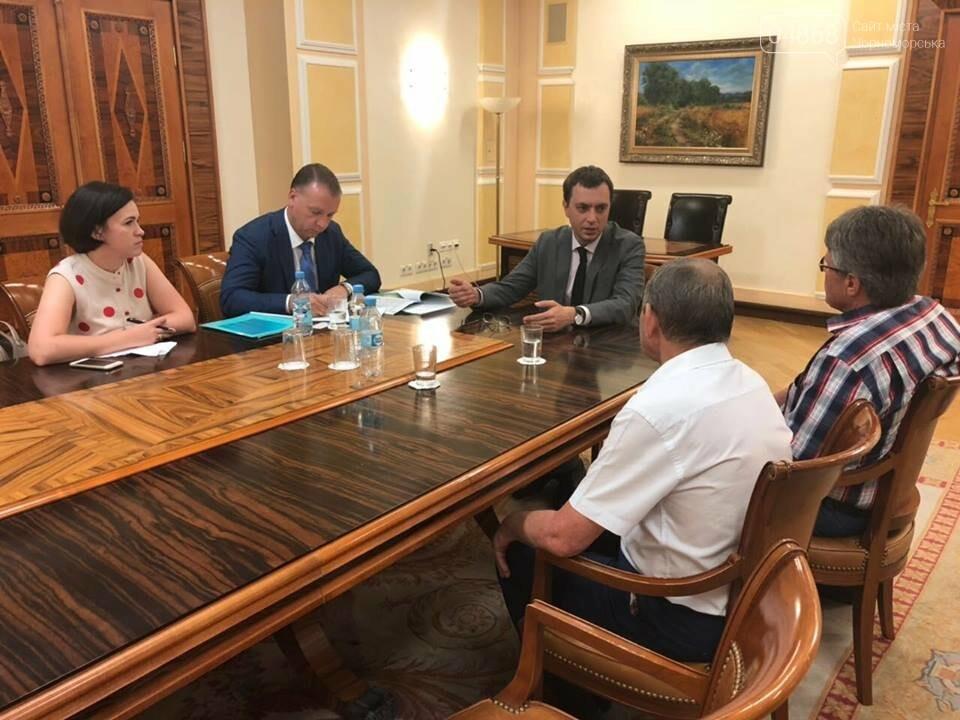 Социальные гарантии портовиков Черноморска взяты под контроль, фото-1