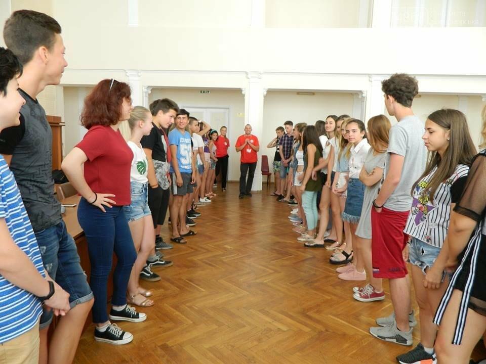 Слушатели Школы лидеров встретились с теми, кто стоит на страже здоровья в Черноморске, фото-9