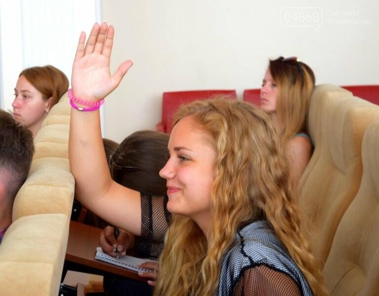 Слушатели Школы лидеров встретились с теми, кто стоит на страже здоровья в Черноморске, фото-2