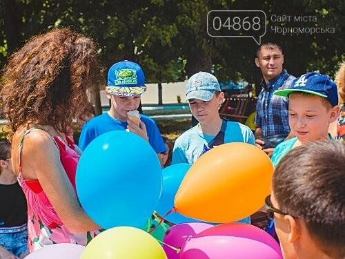Летний праздник с мороженым и воздушными шарами на гироборде, фото-3