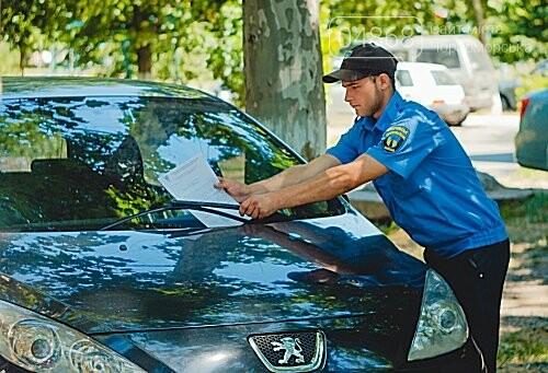 Протоколы, конопля и парковка на газоне: будни «Муниципальной охраны», фото-3