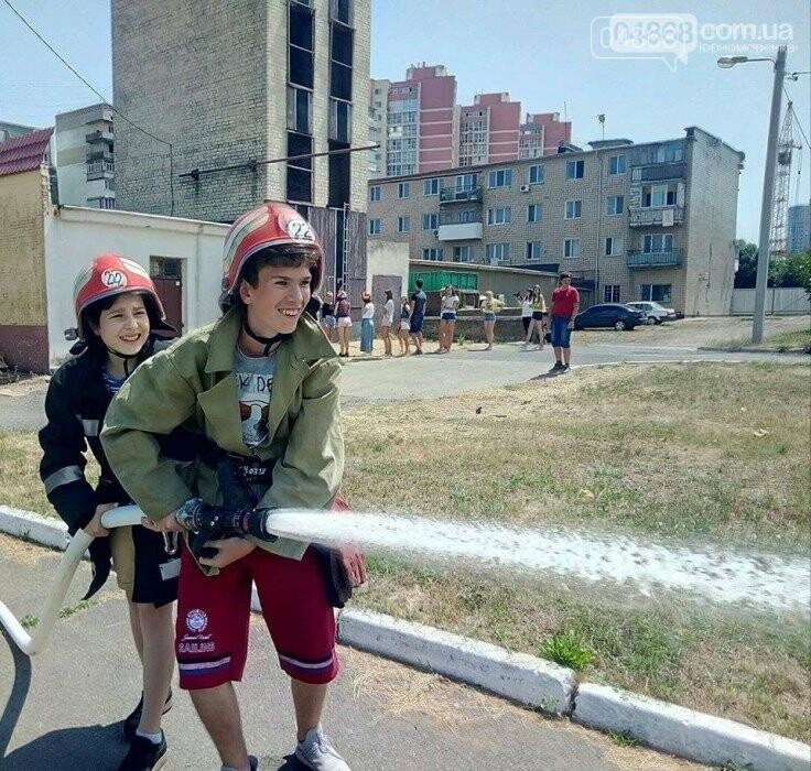 Школа лидеров в гостях у пожарно-спасательной службы Черноморска, фото-1