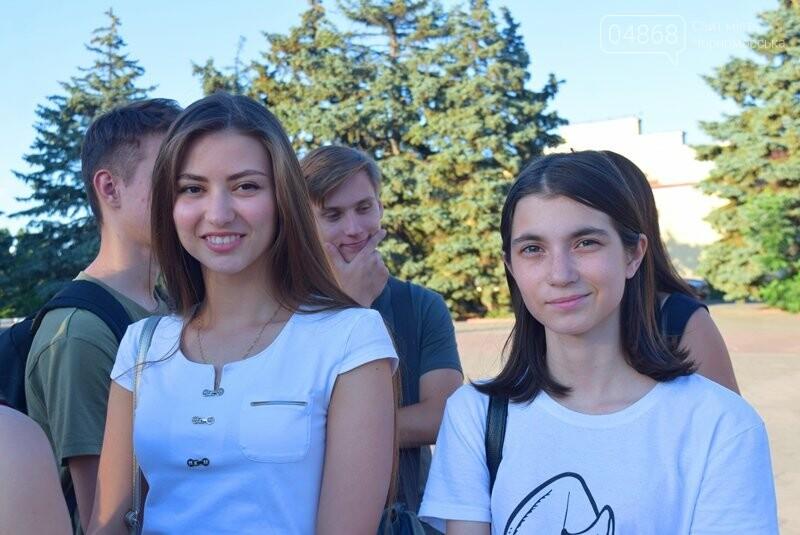 Вальс на площади и 25 медалей: Черноморск готовится к Празднику выпускников, фото-8