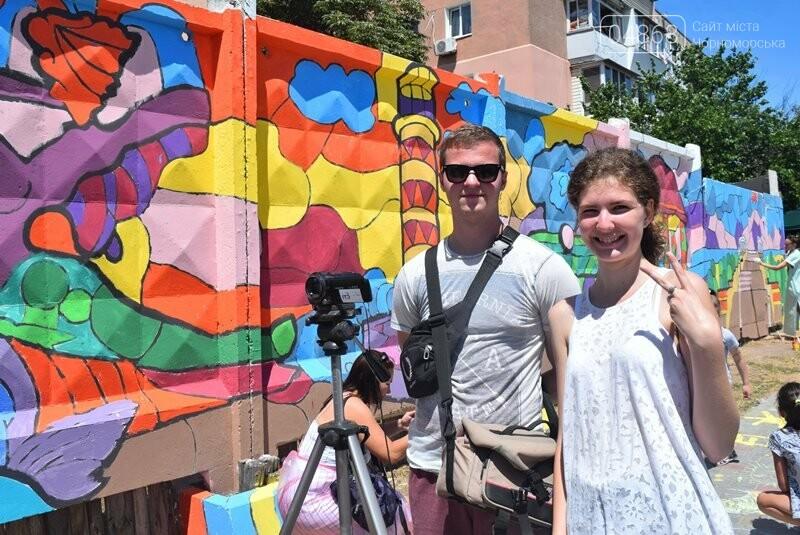 Драйв творчества: «Art weekend» подарил Черноморску новый мурал, а участникам проекта – отличное настроение, фото-11