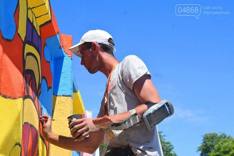 Драйв творчества: «Art weekend» подарил Черноморску новый мурал, а участникам проекта – отличное настроение, фото-8