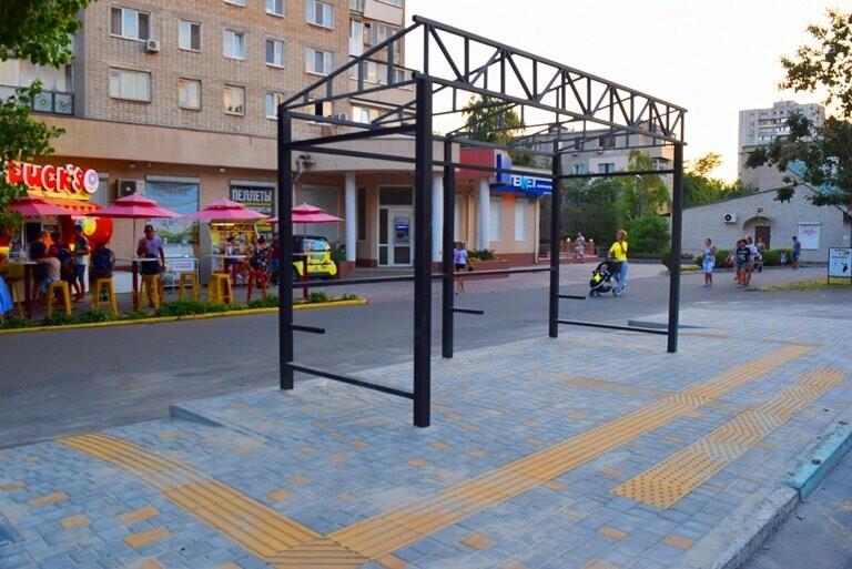 В Черноморске устанавливают остановки европейского образца, фото-5