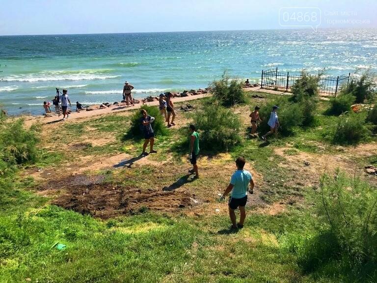 На побережье у Черноморска ликвидировали очаг антисанитарии – «дикий» палаточный городок, фото-9