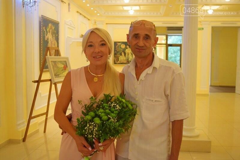 Немного вина, много эротики и красоты: в Черноморске представили картины Гарольда Измайловского, фото-5