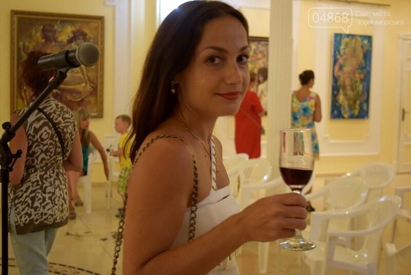 Немного вина, много эротики и красоты: в Черноморске представили картины Гарольда Измайловского, фото-10