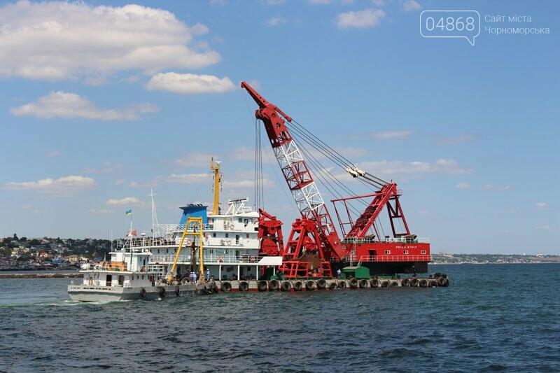 В морском порту Черноморска начались работы по дноуглублению, фото-4