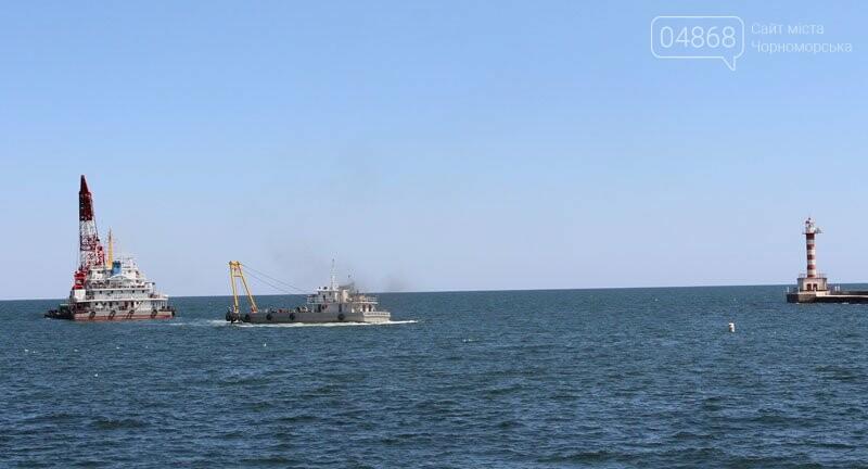 В морском порту Черноморска начались работы по дноуглублению, фото-3