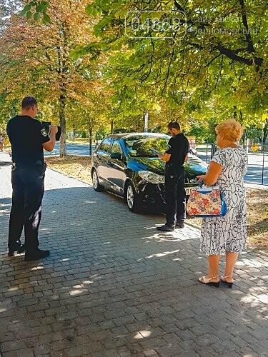 На нарушителей парковки в Черноморске ежедневно составляется свыше 10 актов, фото-2