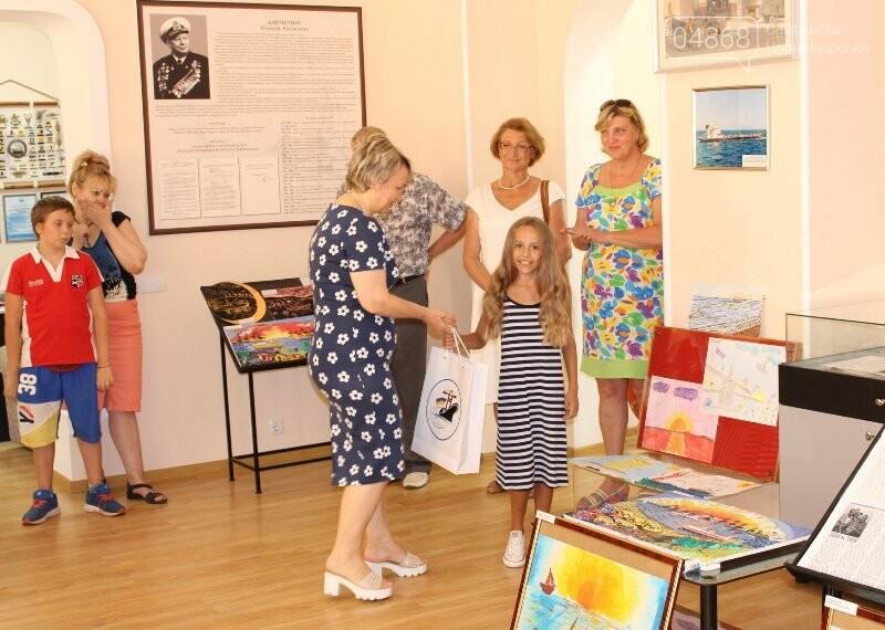 В Музее истории порта наградили юных художников Черноморска, фото-4