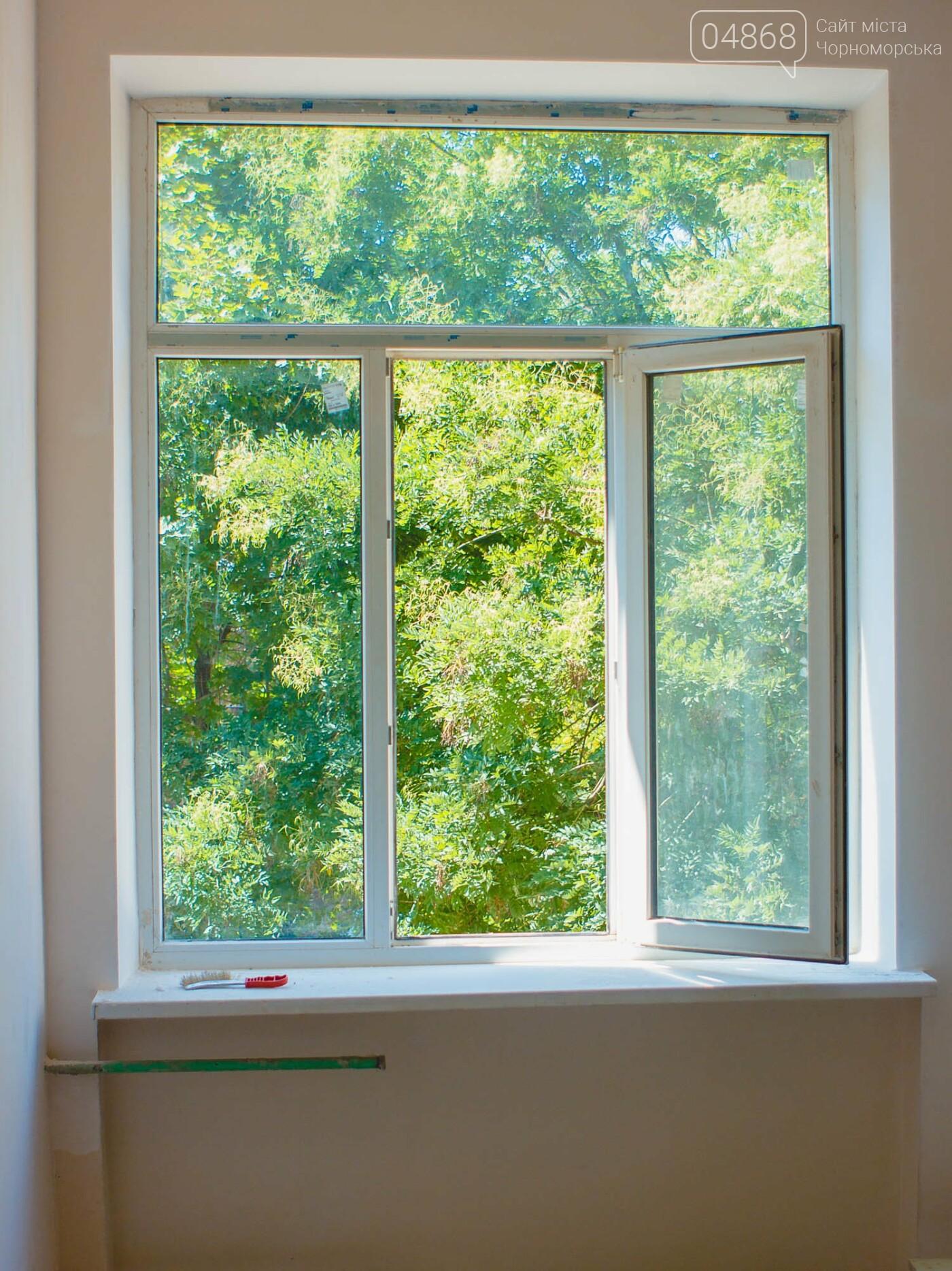 Новые окна, кабинеты и пищеблок: школы Черноморска готовятся к 1 сентября, фото-19