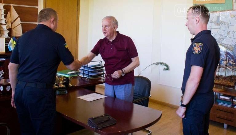 «На линии огня»: новый начальник спасательной службы Черноморска молод, имеет 11 наград и главным в жизни считает спасение людей, фото-9