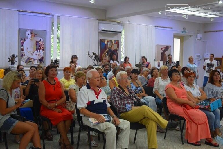 Библейские сюжеты и одесские дворики: в Черноморске открылась выставка трёх Народных художников, фото-15
