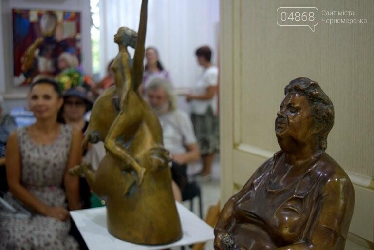 Библейские сюжеты и одесские дворики: в Черноморске открылась выставка трёх Народных художников, фото-20