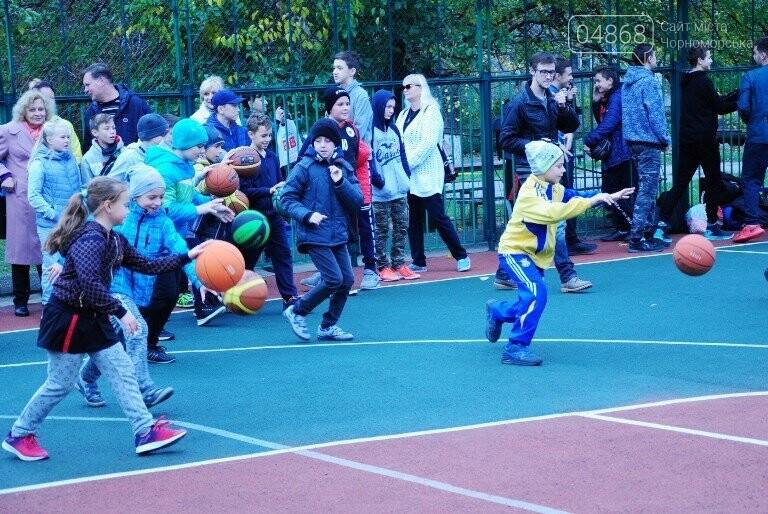 В Черноморске открыли современную спортивную площадку , фото-5