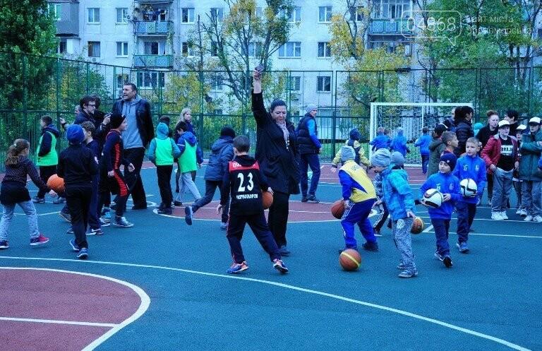 В Черноморске открыли современную спортивную площадку , фото-3