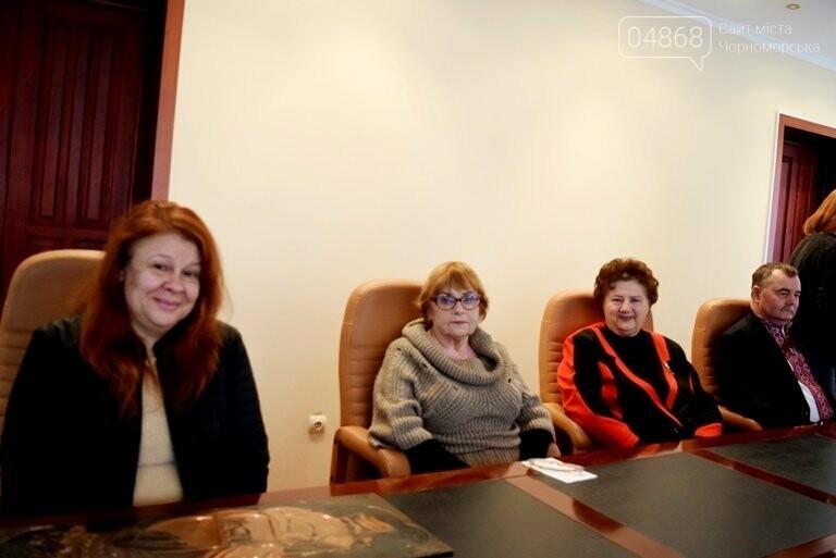 Диплом победителя и 5 тысяч гривен: в Черноморске вручили литературную премию им. В. Сагайдака, фото-15