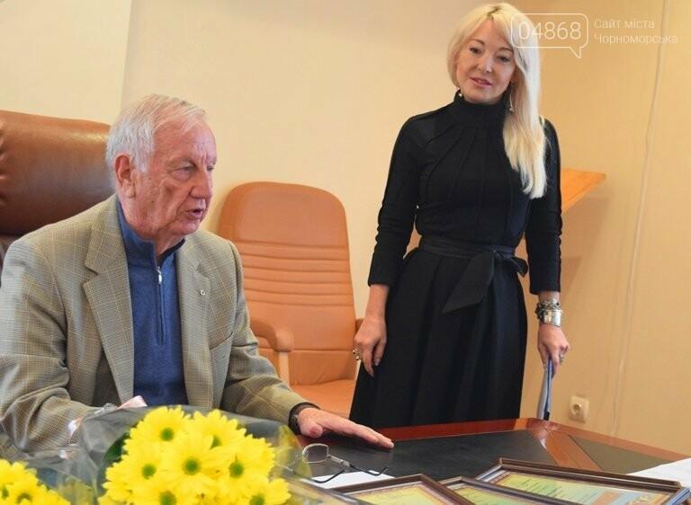 Диплом победителя и 5 тысяч гривен: в Черноморске вручили литературную премию им. В. Сагайдака, фото-17