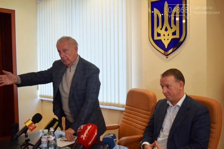 «Я ушёл, но я остаюсь»: Юрий Крук покинул пост заместителя Валерия Хмельнюка, фото-2