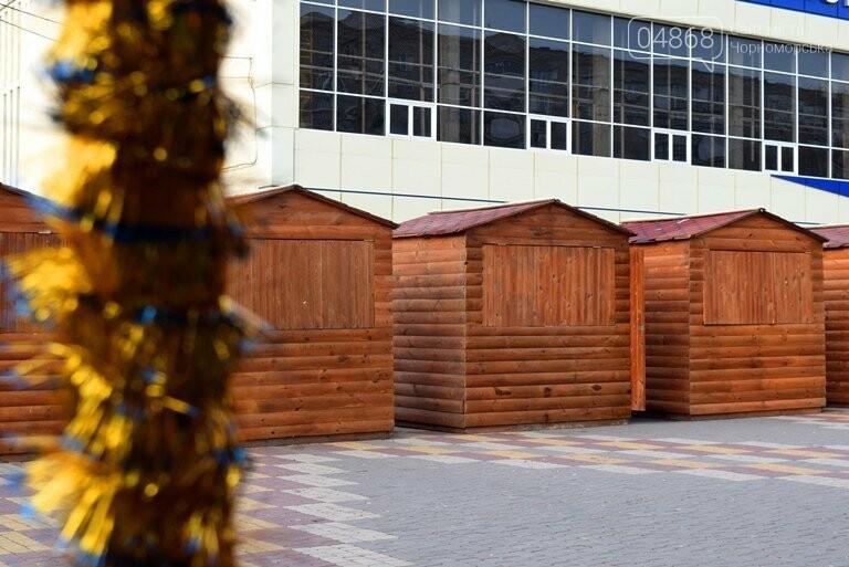 Новогодняя ярмарка и праздничная торговля: приметы Нового года наполняют Черноморск, фото-2