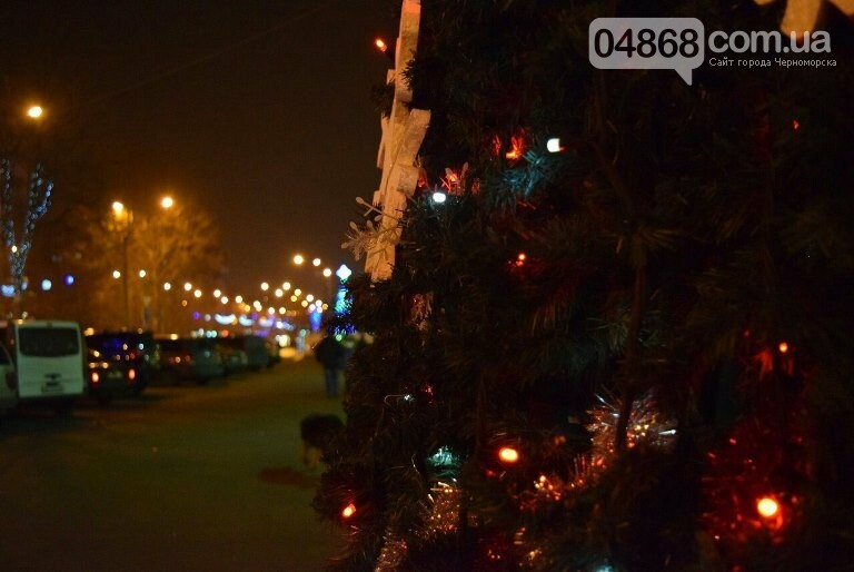 Новогодняя ярмарка и праздничная торговля: приметы Нового года наполняют Черноморск, фото-4