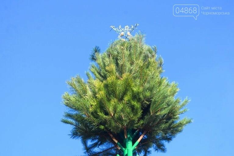 В Черноморске устанавливают главную городскую ёлку, фото-4