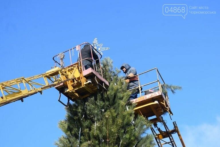 Кражей гирлянд с главной новогодней ёлки Черноморска занялась полиция, фото-8