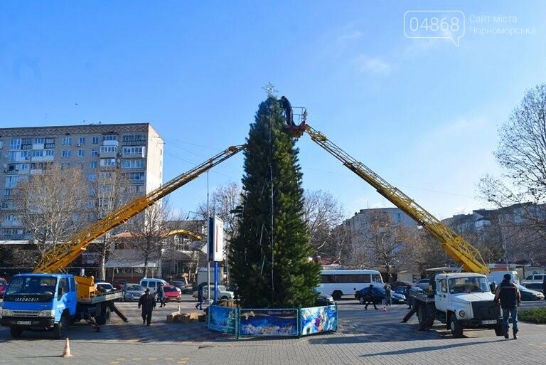 Кражей гирлянд с главной новогодней ёлки Черноморска занялась полиция, фото-5