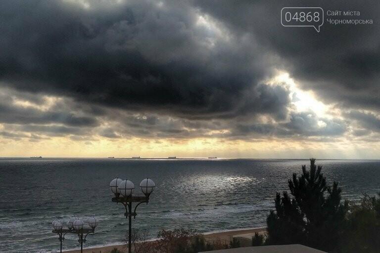 В ближайшую неделю синоптики обещают в Черноморске пасмурную погоду, гололёд и небольшой дождь, фото-2