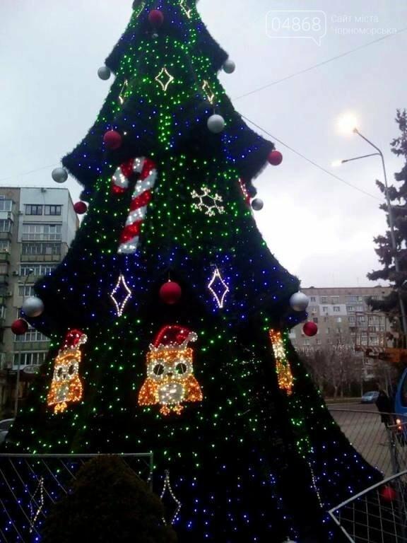 В Черноморске засверкала огнями новогодняя ёлка от «Люмьера», фото-14